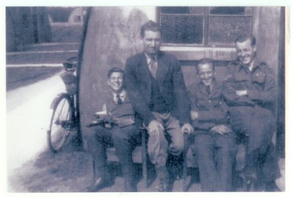 113 Squadron Simmonds, Fred, Vic Huggup, Glen Thomas. Fairford 1948