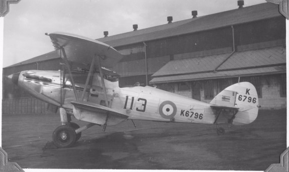 113 squadron Hind K6796 Heliopolis with squadron leader flag 1939